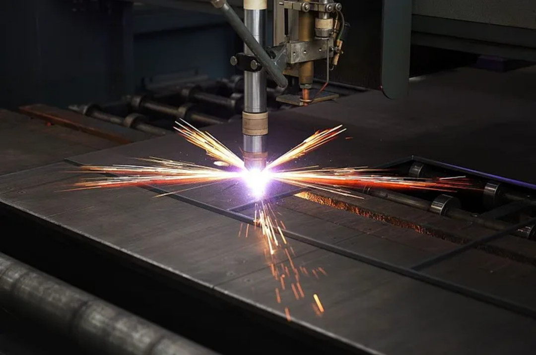Plasma Cutter With Built-in Compressor