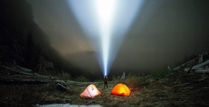 How To Choose The Camping Flashlight